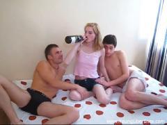 Genial sexual video category Young Libertines (180) sec. Sex-craz(Sveta).